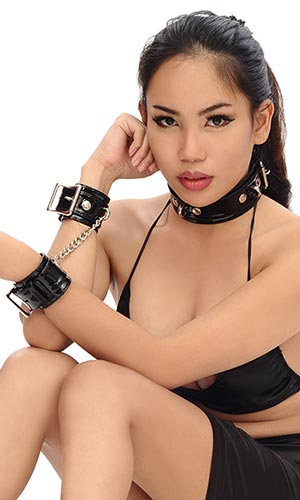 Classic Collar and Cuffs Set (2 inch)